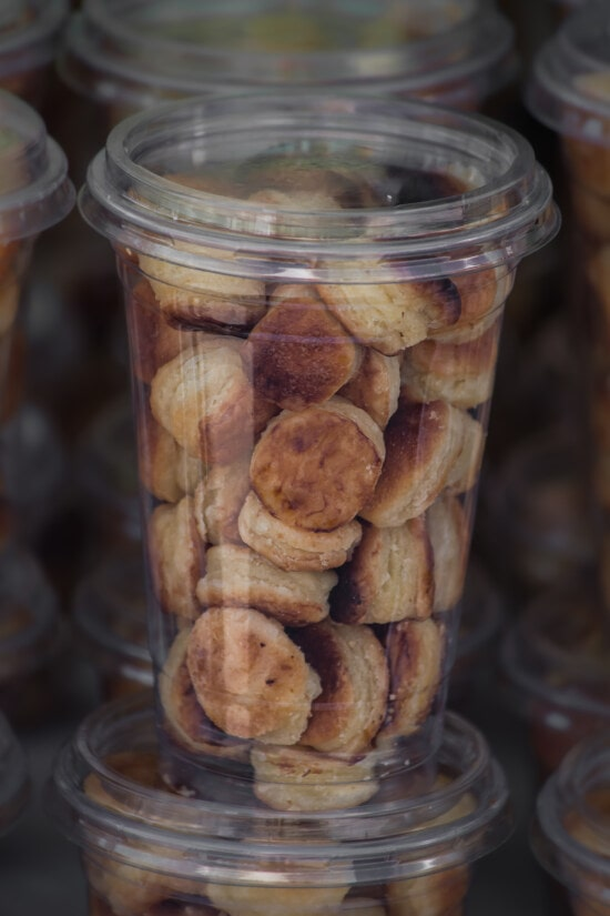 snack, baked goods, pastry, breakfast, food, homemade, container, traditional, delicious, merchandise