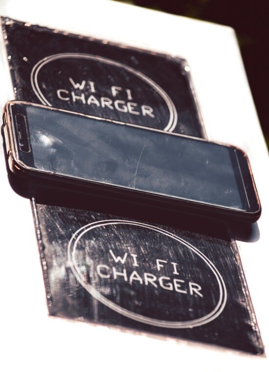 wireless, charger, cellphone, wireless phone, mobile phone, energy, gadgets, device, electricity, display
