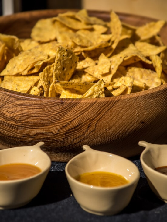 snack, fast food, source, chili, appetizer, meal, food, plate, bowl, wood