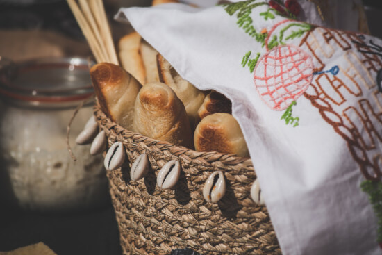 wholemeal bread, wicker basket, tablecloth, traditional, food, bread, baking, still life, cooking, homemade