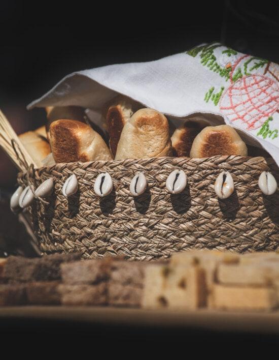 kruh, tijesto, domaće, košara od pruća, stolnjak, organsko, hrana, pečenje, drvo, mrtva priroda