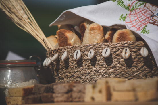 wheat, wholemeal bread, pastry, cereal, kitchen table, traditional, wicker basket, rye, bread, food