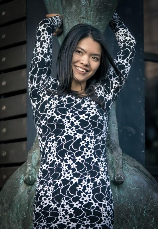 アジア, かわいい女の子, 豪華です, ティーンエイ ジャー, 黒と白, ドレス, 若い女性, ポーズ, 写真のモデル, 縦方向
