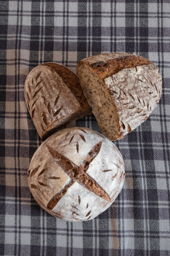 traditional, wholemeal bread, tablecloth, retro, bread, food, baking, homemade, wood, whole