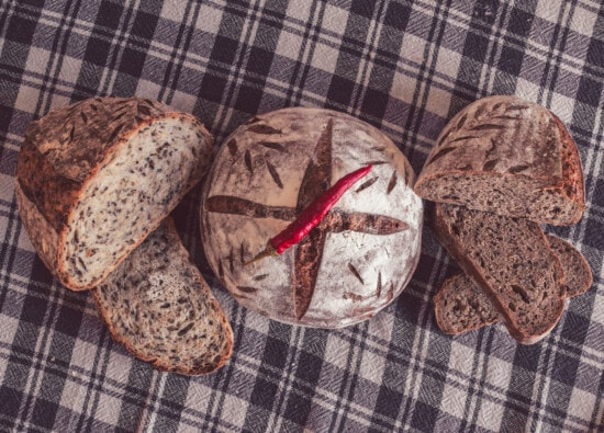 traditional, wholemeal bread, wholemeal flour, chili, antioxidant, bread, food, wheat, homemade, wood