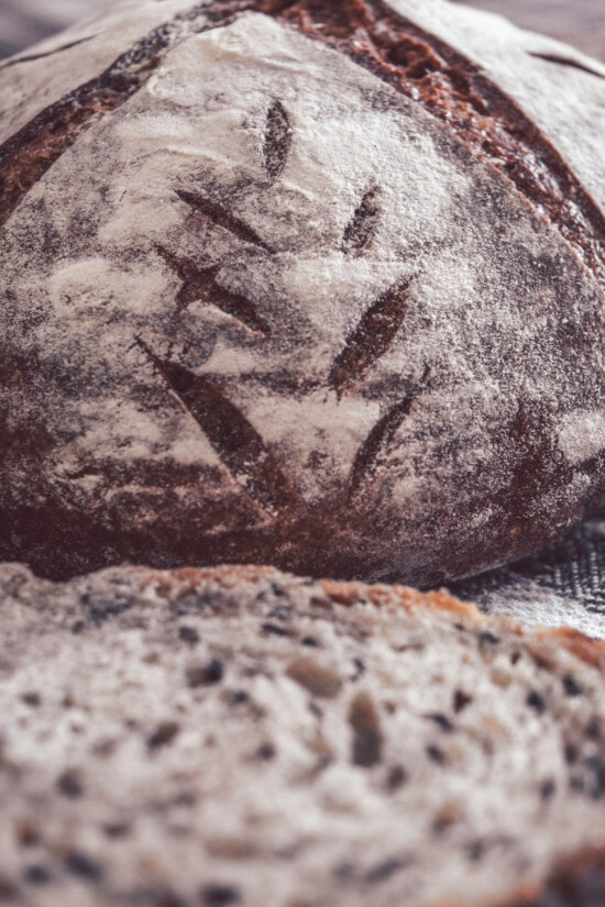 wholemeal flour, wholemeal bread, close-up, crust, flour, nature, baking, wheat, bread, food