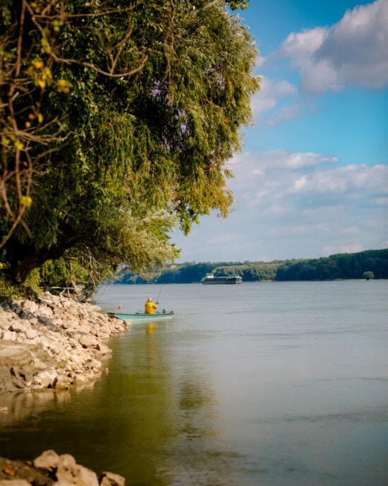 river, fisherman, riverbank, river boat, fishing, afternoon, relaxation, landscape, calm, atmosphere