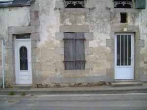 house, ruins