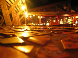 nepenthe, cobblestones, reflecting, street, lights