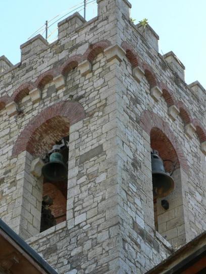 Glocke, Turm, in der Nähe