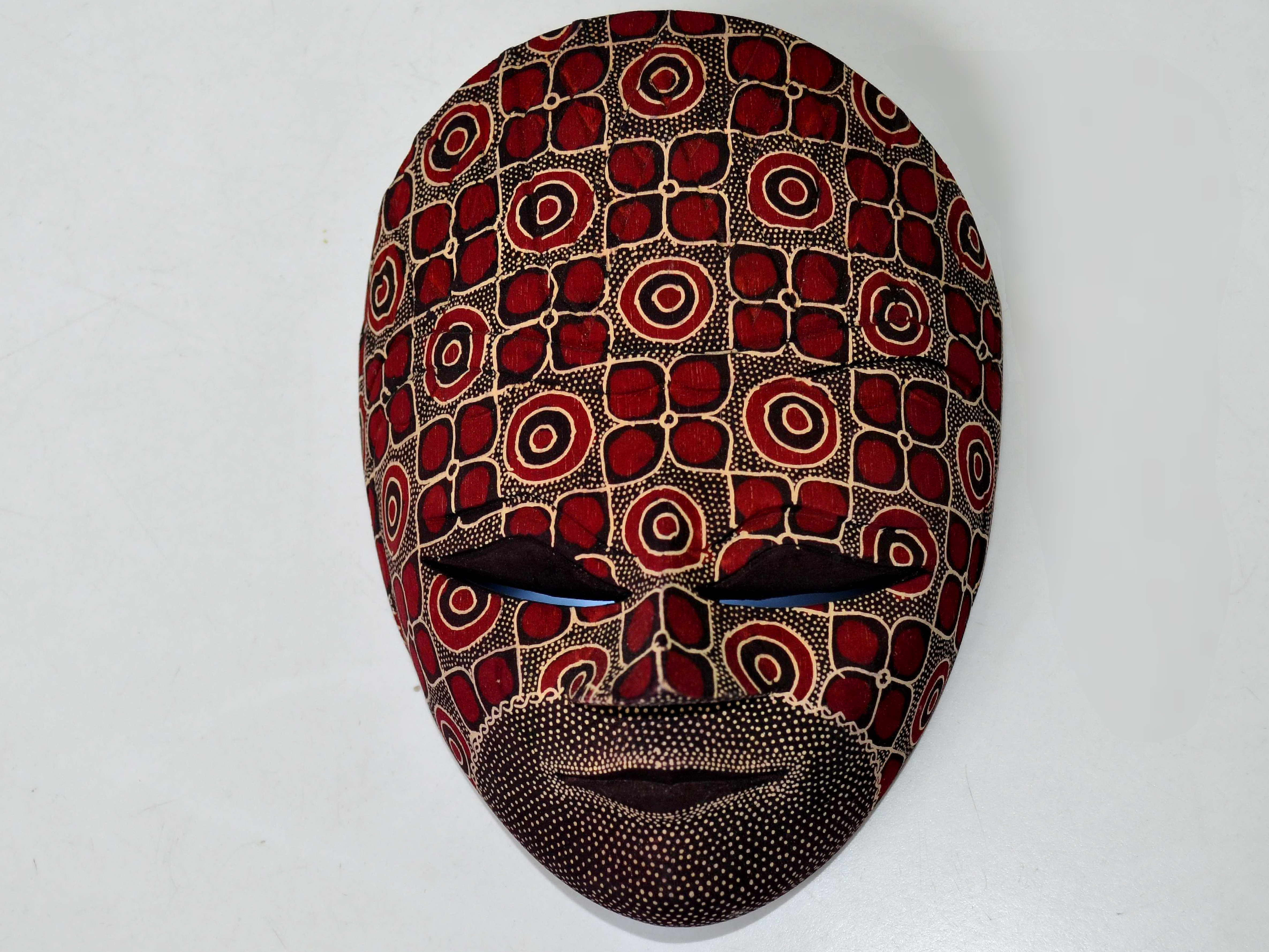 Free photograph; artistic, decorative, mask, wall