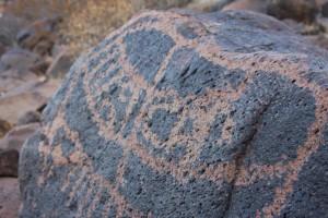 pétroglyphe, image, créé, en supprimant, portions, roche, surface