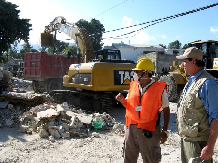 Haiti zemetrasenia, reliéf, pracovníkov, pomáha