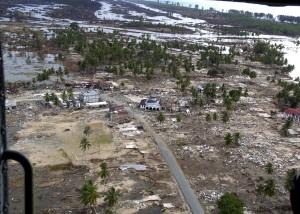 kitle, zarar, Endonezya dili, evleri, altyapı, çevre, Endonezya