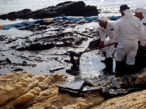 oil, spill, cleanup, programs, assist, Lebanon, workers, spilled, oil