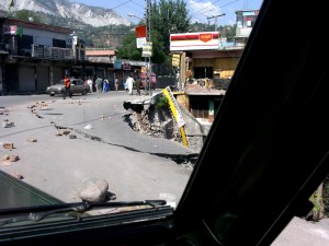 pakistan, earthquake, damage, bank, road