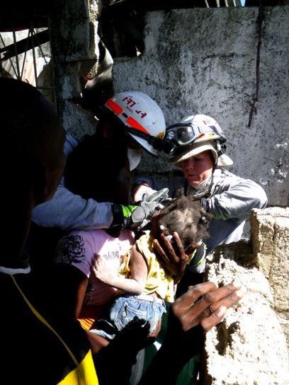 redning, baby, jordskjelv, slo, Haiti