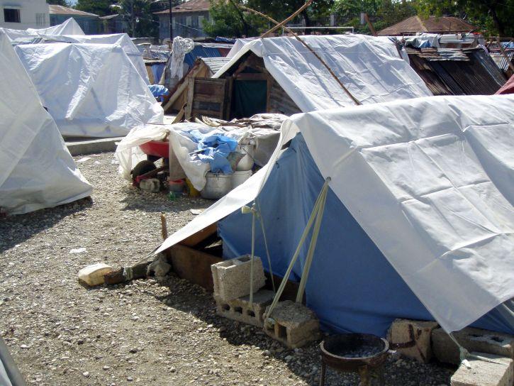improvisada, viviendas, instalaciones, terremoto