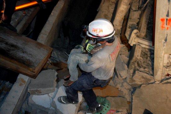urban, search, rescue, team, performs, search, rescue, operations, port, Prince, Haiti