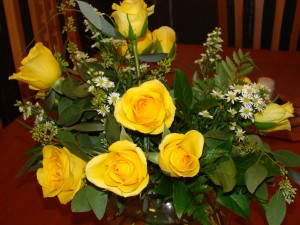 vase, roses, arrangment