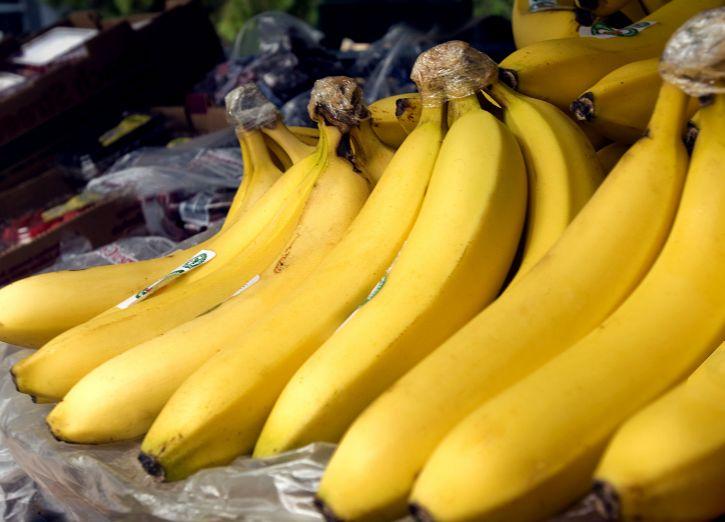 up-close, ripe, bananas market