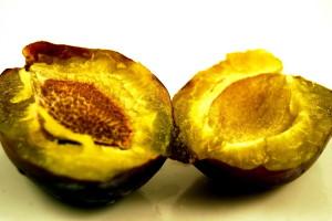 нарязан, плодове
