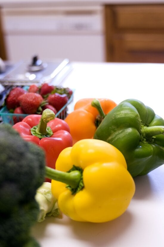 bell peppers, head, broccoli, small, container, strawberries