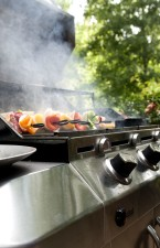 kuhanje, ražnjići, piletina, paprika, luk, ananas