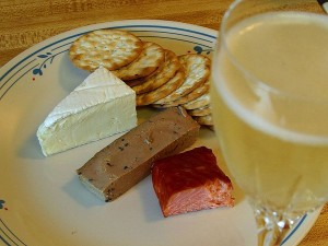 brie, cheese, salmon, smoked, pate, crackers, champagne