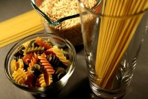 glucides, riche, nourriture, boisson, verre, spaghetti