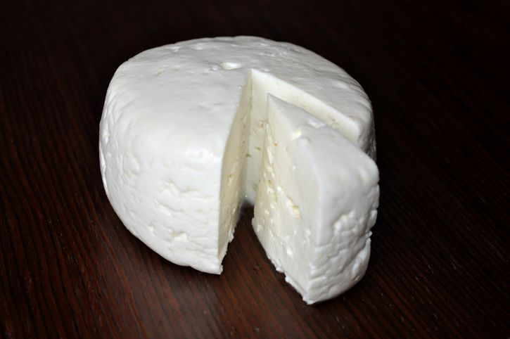 round, cheese, table