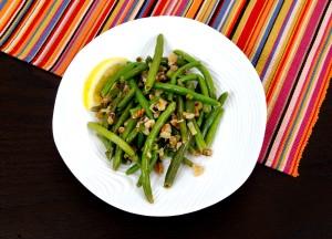 up-close, single, serving, lemon, walnut, green, beans