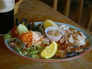 crab, claws, lemons, salads, seafood, platters