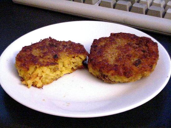 risotto, cakes, plate