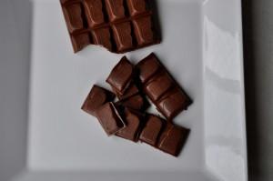 Swiss, çikolata, beyaz tabak