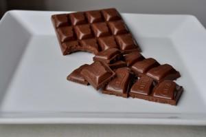 milk, chocolate, served, plate