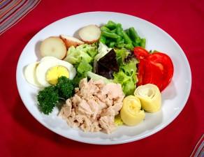 placa, agrupación, sano, comida, rojo brillante, tomate, rodajas, al vapor, verde