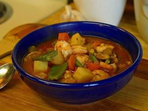 chowders, zupy, krewetki, owoce morza