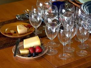 wine, glasses, stawberries, cheese