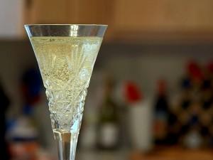 Champagner, Flöten, Gläser, Blasen