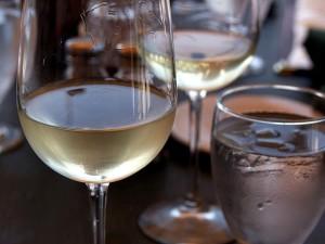 sklo, bílé víno