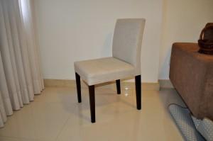 moderne, blanc, fauteuil, noir, jambes