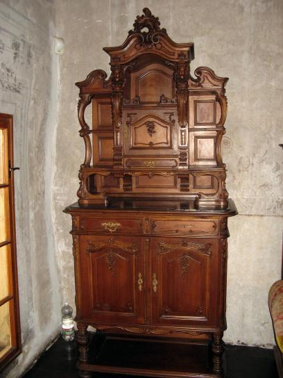 old, furniture