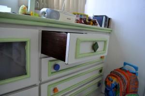 ouvert, tiroir, bureau blanc