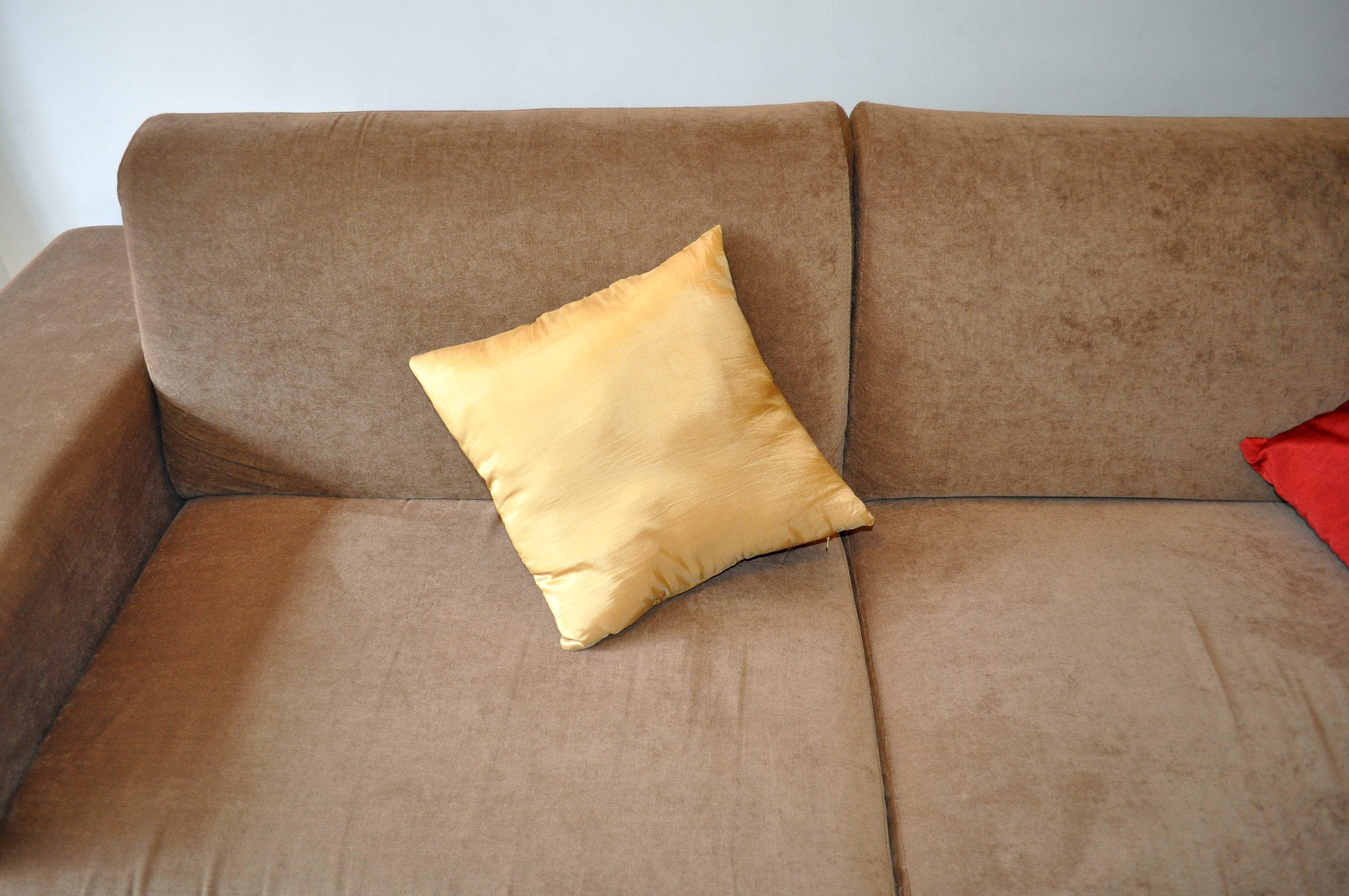 Free photograph; yellowish, bed, cushion