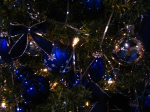 Noël, décorations, bleu, verre, ornements