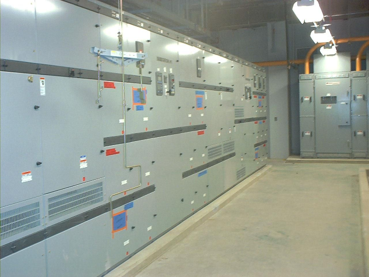 Free picture high power switch gear room