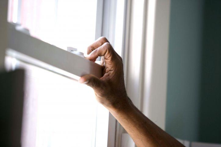 cánh tay, cửa sổ