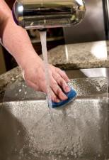 le nettoyage, le verre, la coupe, planche, cuisine, évier, savonneuse, éponge