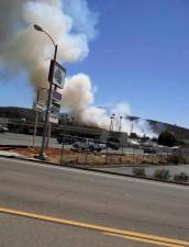 jamacha, brann, flammer, røyk, kommersielle, utvikling